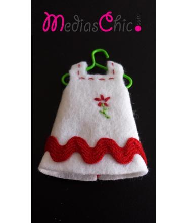 Broche de fieltro vestido flor bordada