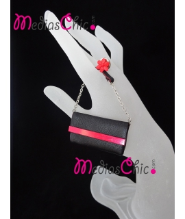 Broche de piel bolsito modelo negro/rojo cadena
